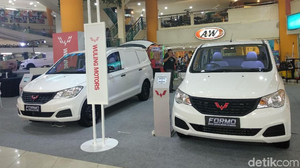 Mobil Taksi Online Wuling