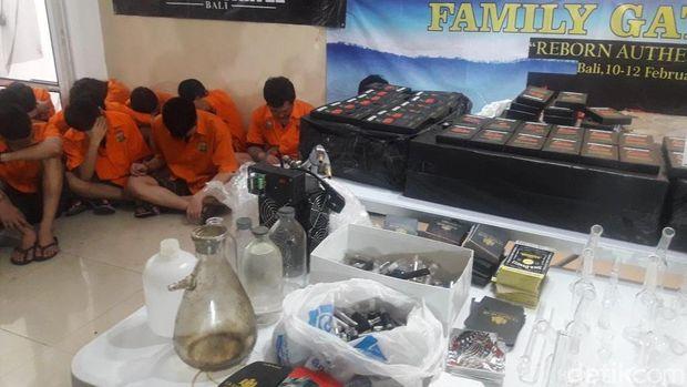 Polisi membongkar sindikat narkotika 'Reborn Cartel'.