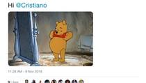 Kelakar Netizen untuk Aksi Pamer Perut Cristiano Ronaldo
