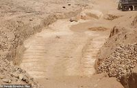 Landasan yang diperkirakan digunakan orang Mesir Kuno untuk mengangkut batuan sebagai material pembangun piramida.
