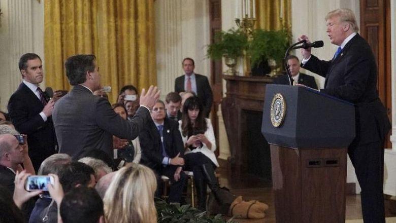 Terlibat Adu Mulut dengan Trump, Wartawan CNN Dilarang Masuk Gedung Putih