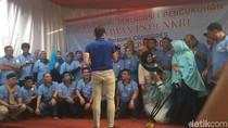 Hadiri Deklarasi Relawan PS19-NKRI, Sandi Disambut Tari Saman
