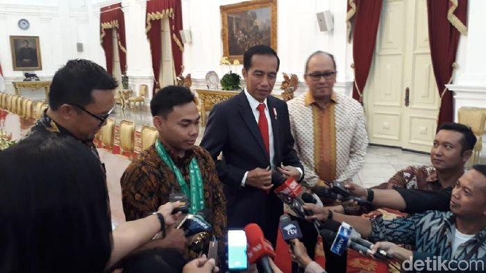 Eko Yuli Irawan bertemu Presiden Jokowi di Istana. (Ray Jordan/detiksport)