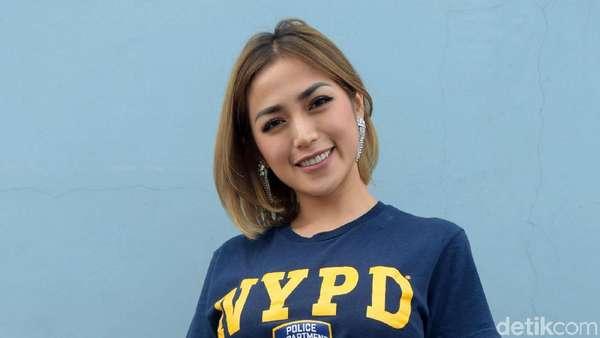 Jessica Iskandar, Hot Mom yang Selalu Kece
