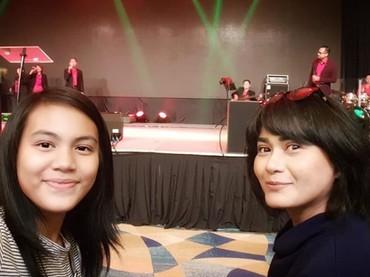 Bunda Tamara bersama suaminya, Tien Thinh Pham, pengusaha asal Vietnam. Tamara memiliki seorang putri bernama Tjazkaya Loedwige Poetry. (Foto: Instagram @tamarageraldine74)