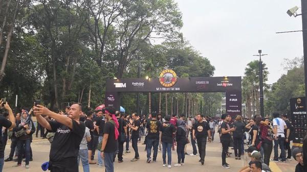 Indonesia Raya Menggema di Konser Guns N Roses