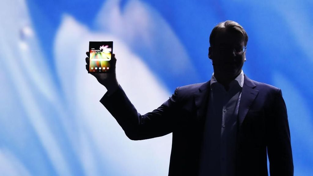 Ponsel Layar Lipat Samsung Mahal Banget, Apa Sebabnya?