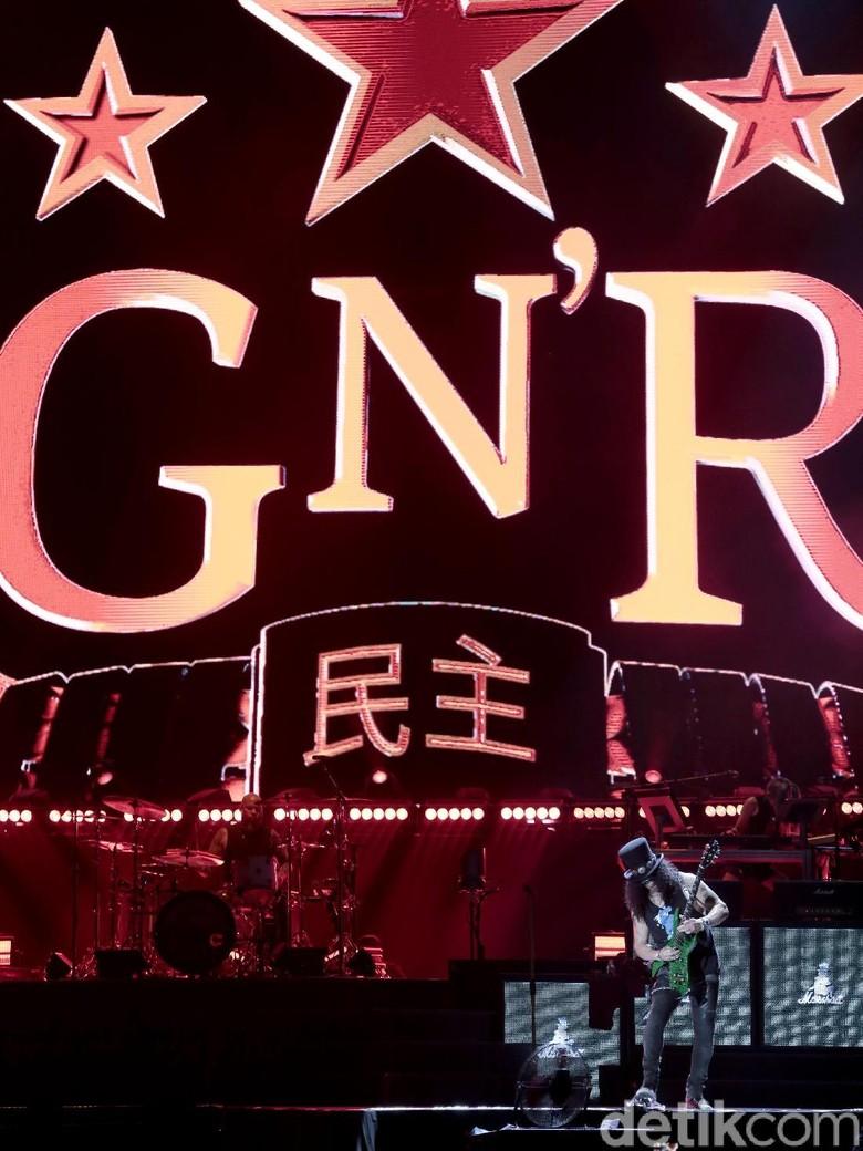 Guns N Roses Melawan Usia di Konser Jakarta