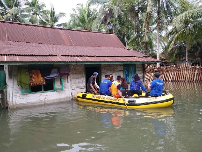 Banjir Terjang Pangandaran, 120 Orang Mengungsi