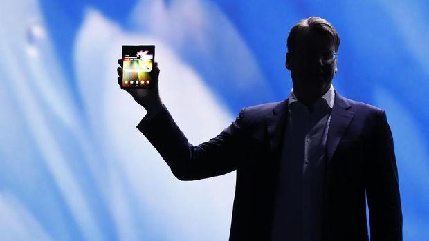 Ponsel Lipat Samsung Dipamerkan di AS