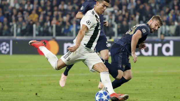 Manchester United berada dalam tekanan kuat Juventus sepanjang pertandingan.