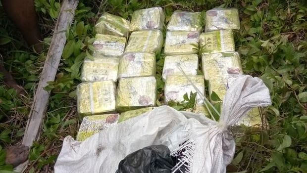 BNN menyita narkotika jenis sabu seberat 38 kg dan 15.000 butir ekstasi yang disembunyikan di sebuah hutan di Dusun Tualang, Peurlak, Aceh Timur, Kamis 8 November.