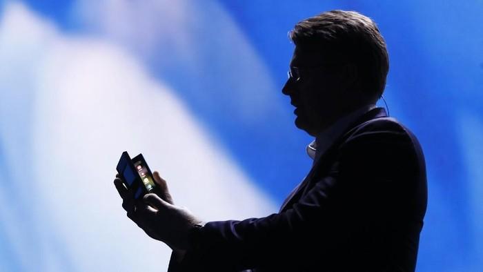 Ponsel layar lipat Samsung. Foto: Reuters