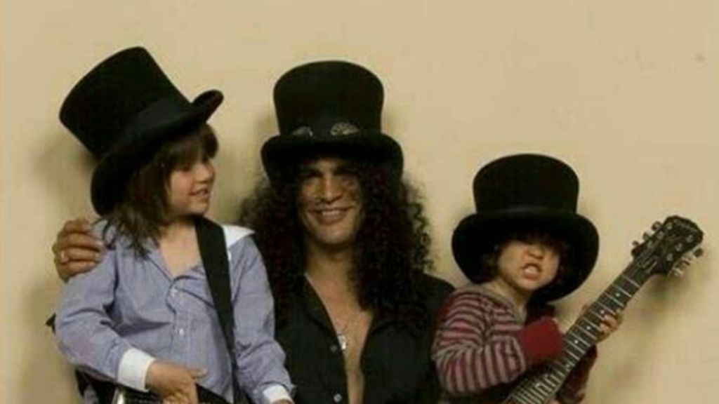 7 Foto Masa Kecil London dan Cash, Anak-anak Slash Guns N Roses