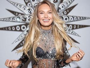 Bidadari Victorias Secret Tampil Seksi Bawa Sayap Kristal 12 Kg
