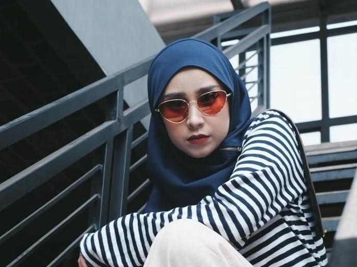 Tips pilih hijab instan. Foto: Dok. Instagram @madine.id