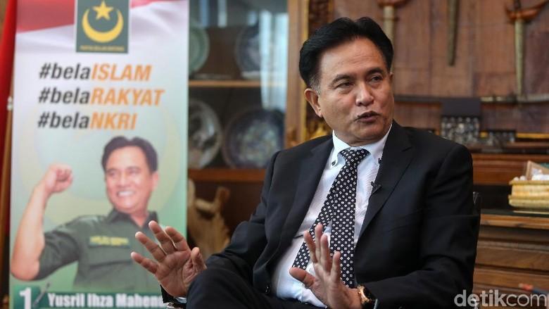 Yusril Pernah Diundang Jokowi Bahas Kasus Habib Rizieq, Apa Isinya?