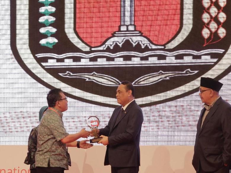 Selesaikan 12 Ribu Aduan, Semarang Raih Pengelola Laporan Terbaik