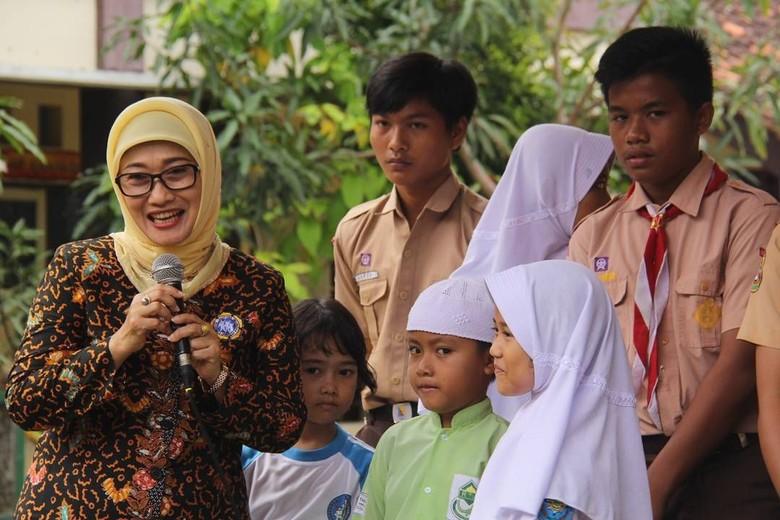 Mendagri akan Temui Anna Bupati Indramayu yang Mundur demi Keluarga