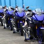 Asyiknya Yamaha R25 Terbaru, Cornering Jadi Lebih Pede