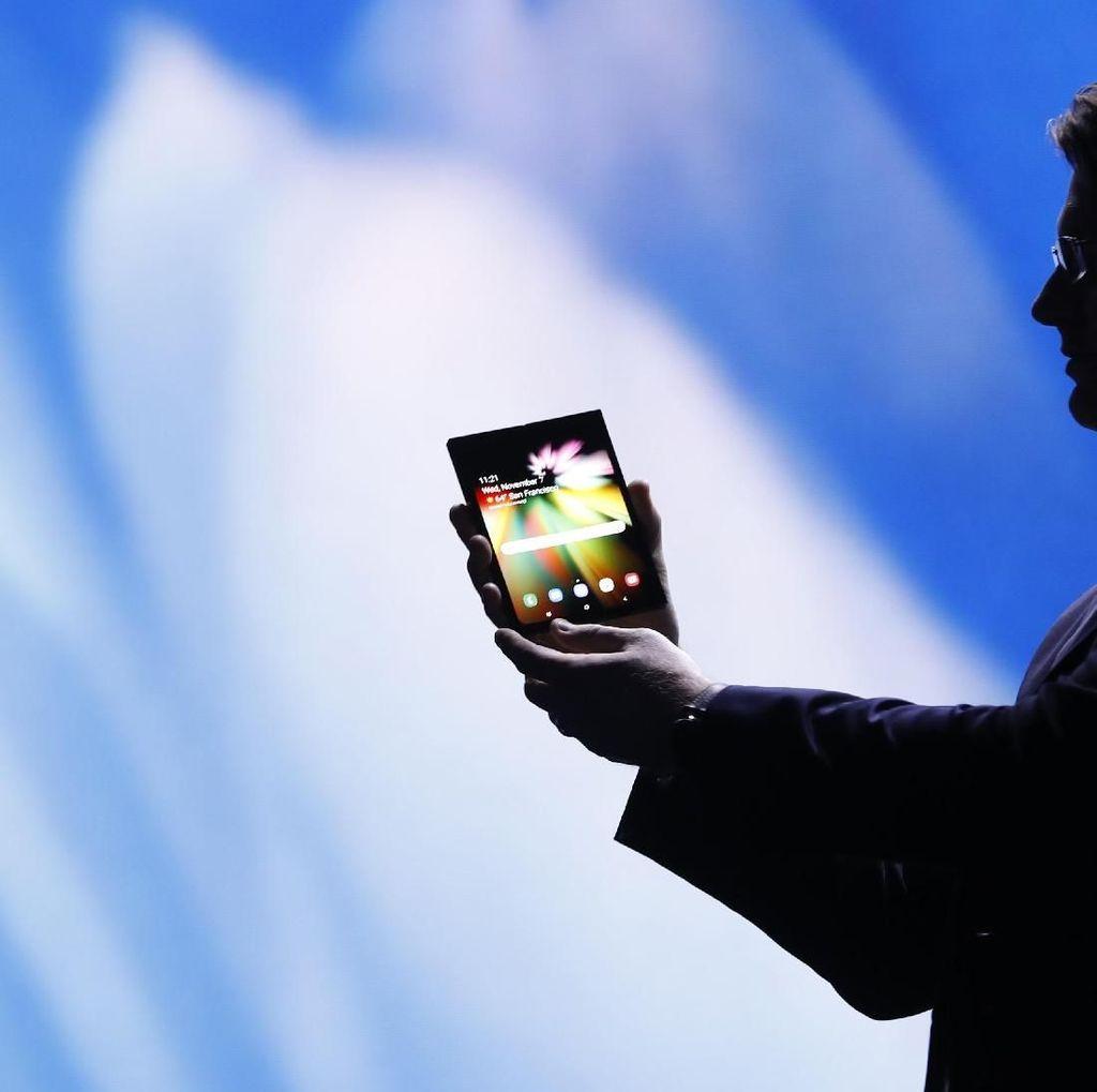 Dikalahkan Ponsel Layar Lipat FlexPai, Ini Kata Samsung