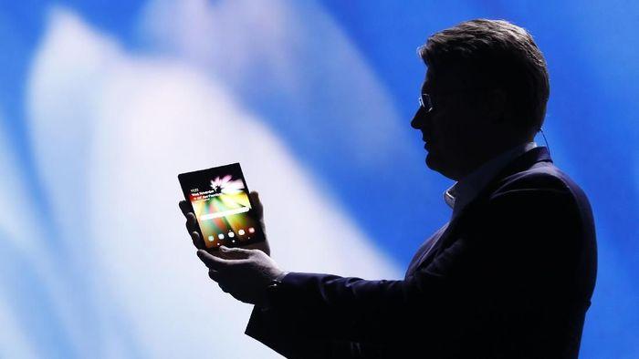 Ponsel lipat Samsung. Foto: Reuters
