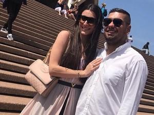 Lamar Pacar dengan Spanduk Raksasa, Pasangan Ini Bikin Baper
