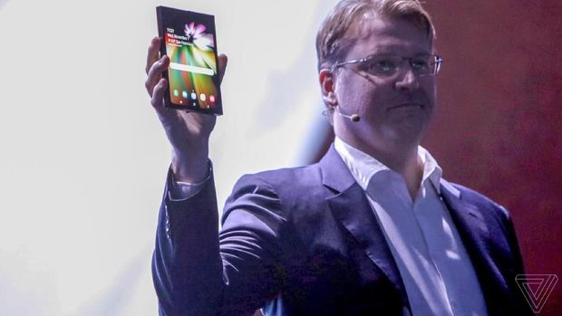 Ponsel layar lipat Samsung.