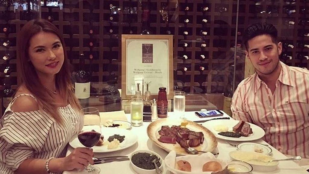 Pose Miyabi Saat Makan Malam Mewah Bersama Sang Kekasih hingga Nikita Mirzani