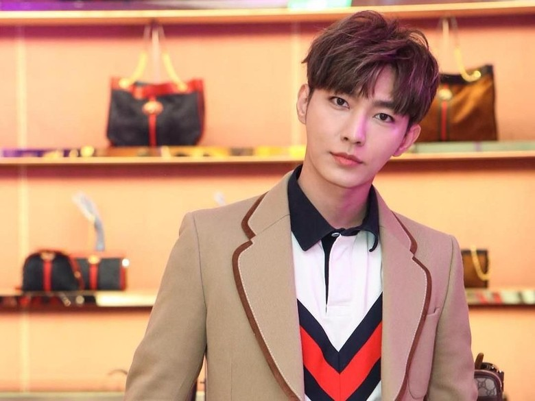 Aktor Taiwan Aaron Yan Dirumorkan Pacari 3 Pria Sekaligus