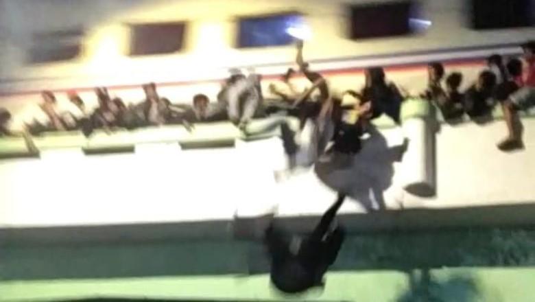 Siapa Lalai dalam Insiden Surabaya Membara? Polisi: Masih Penyelidikan