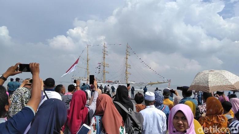 100 Hari Berlayar, KRI Bima Suci Tiba di Surabaya
