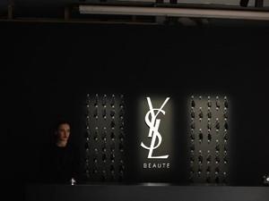YSL Beauty Buka Hotel Instagramable di Jakarta