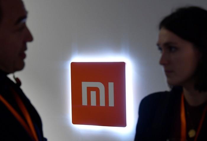 Logo Xiaomi mulai bermunculan di London. Foto: Reuters