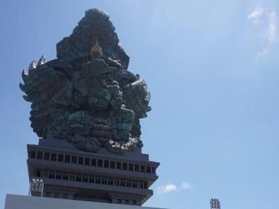 Kini Bali tak cuma punya pantai eksotis dan pura sakral. Traveler bisa liburan ke Garuda Wisnu Kencana Cultural Park, Jl Raya Uluwatu, Ungasan, Kabupaten Badung (Tommy Bernadus/dTraveler)