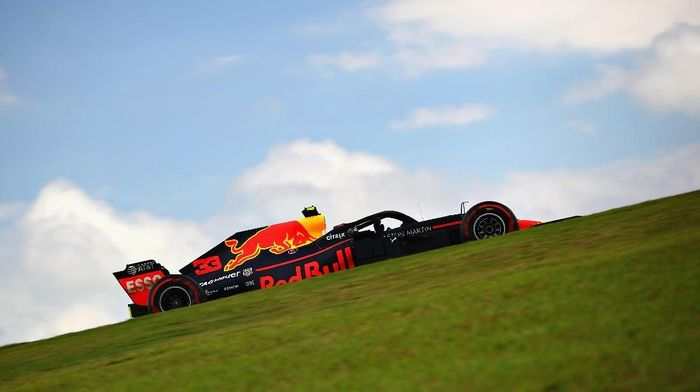 Max Verstappen (Red Bull) tercepat di latihan bebas pertama GP Brasil. (Foto: Mark Thompson/Getty Images)