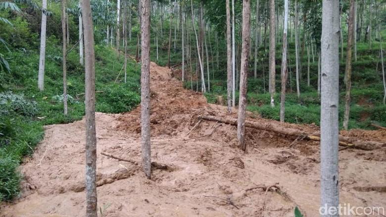Longsor di Gunung Butut Kabupaten Bandung, Puluhan Warga Mengungsi