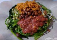 Selain dibuat resep cah kangkung, bisa juga diracik menjadi plecing kangkung.