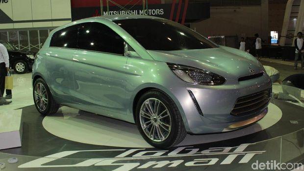Mitsubishi Global Small Concept dipamerkan di IIMS 2011. Mobil konsep yang akan menjadi cikal bakal Mitsubishi Mirage.