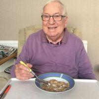 Kakek 85 Tahun Ini Terkenal Karena Jadi Selebgram Makanan