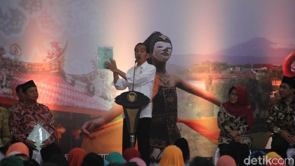 Ini Pesan Jokowi pada Warga Tegal Penerima Sertifikat Tanah