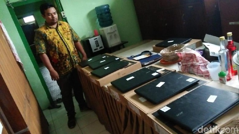 Ironis! SD dekat Mapolres Jombang Dibobol Maling, 16 Laptop Raib