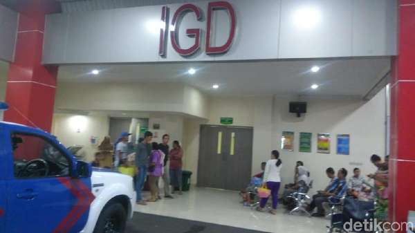 Keluarga Datangi RS Korban Insiden Drama Surabaya Membara Dirawat