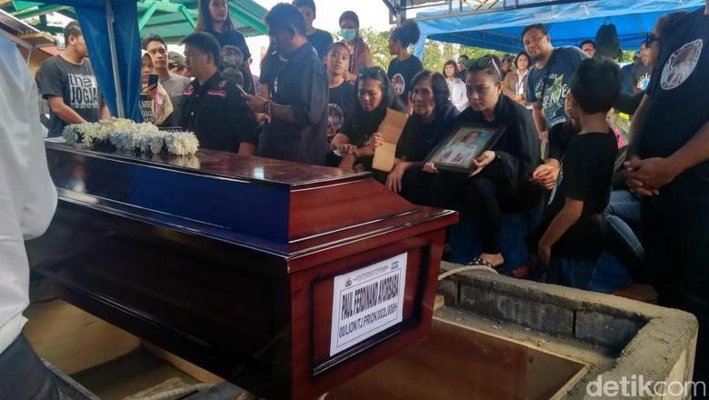 Jenazah Paul Korban Lion Air PK-LQP Dimakamkan di Timika