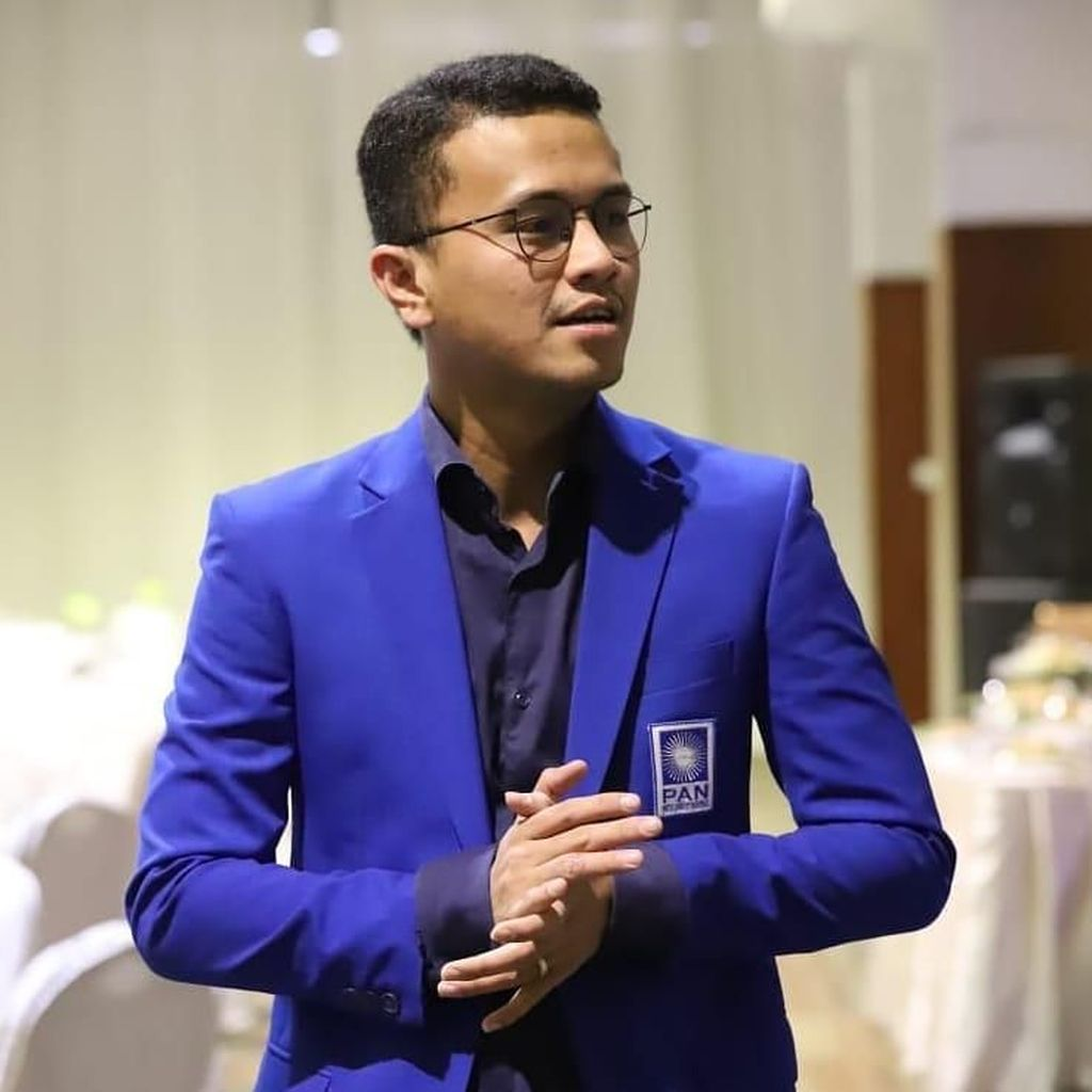 Prabowo Merasa Tak Pantas Jadi Imam Salat, PAN: Dia Percaya Ulama