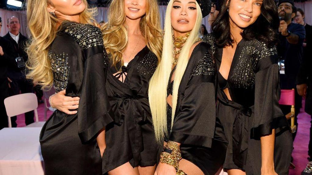 2 Model Bela Victorias Secret Setelah Keluar Petisi Soal Pelecehan Seks