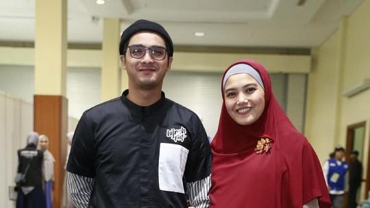Ricky Harun Setia Temani Herfiza yang Sedang Hamil Anak Ketiga
