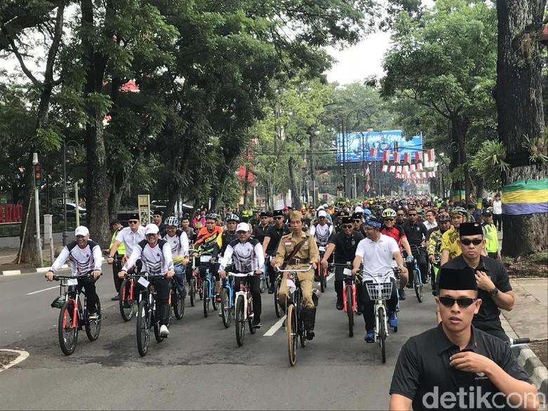 Gowes Keliling Bandung, Ternyata Ontel Jokowi Tak Punya Rem