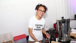 Riri Riza Tuntut Pemeran Film Bebas Semirip Mungkin dengan Sunny