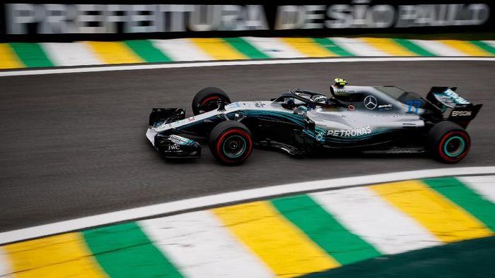 Valtteri Bottas tercepat di sesi latihan bebas kedua GP Brasil. (Foto: Lars Baron/Getty Images)